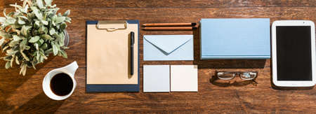 organized office: Organized things in the office of the businessperson