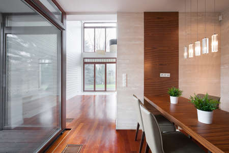 oficina: Vista horizontal de interior elegante oficina moderna Foto de archivo