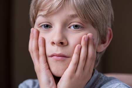 heartbreaking: Parents divorce is a cause of boys sadness