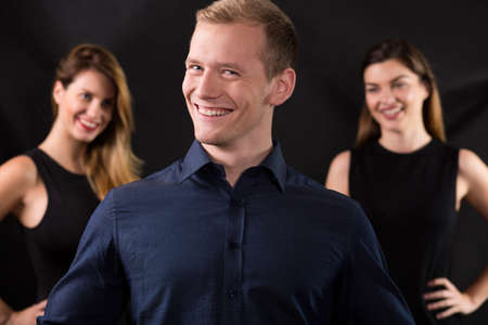narcissistic: Handsome lovelace surrounded by two beauty woman