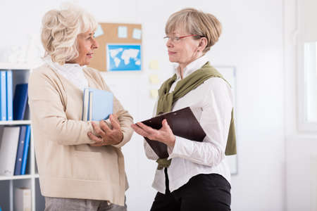 mature women: Image of mature women from learnig group in library