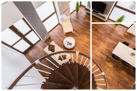 木製の階段とリビング ルームの寄木細工の床 写真素材 - 46200623