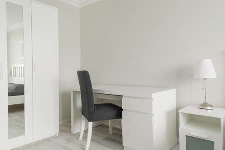 modish: Picture of small working space placed in a bedroom