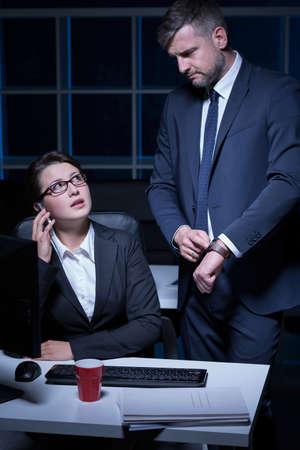 SECRETARIA: Secretario de ser v�ctima de acoso laboral en la oficina