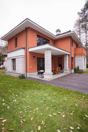 modern home: View from outside of the house, vertical