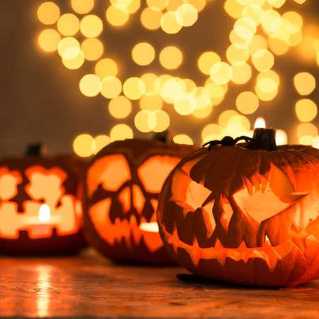 calabazas de halloween: Linternas de calabaza de Halloween - decoraci�n perfecta para Halloween Foto de archivo