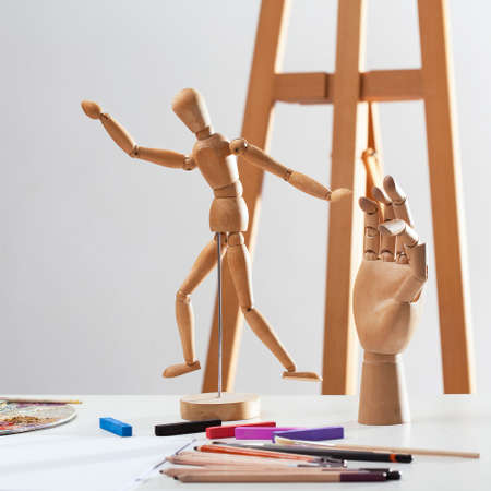 finger shape: Wooden Hand is a decoration and painter equipment