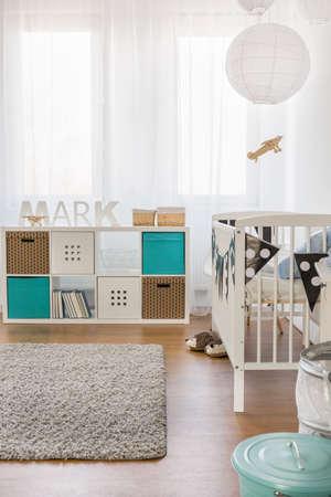 nursery: Imagen de la habitación moderna infantil con muebles nuevos Foto de archivo