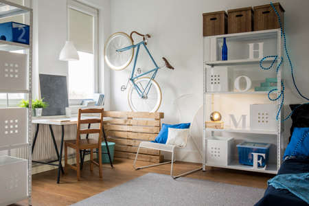 idea comfortable: Comfortable small studio for young ideas man