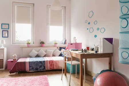 homely: Homely teen room with rose and blue decorations