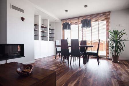 tasteful: Sunny and tasteful dining room in the house