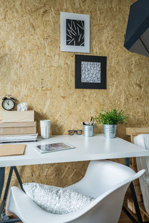 comfortable: Comfortable place to study with modern furniture
