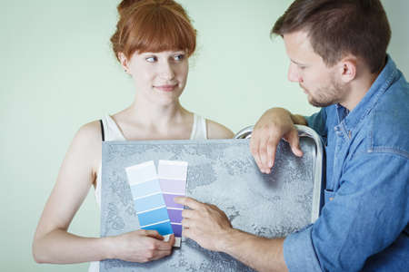 Young interior decorator wants to change colors in the flat