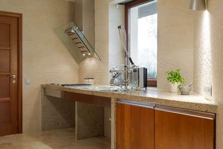 Cucina Moderna Lucido In Legno E Marmo Foto Royalty Free, Immagini ...