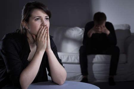 silencio: Joven pareja teniendo problemas desglosados ??en el matrimonio