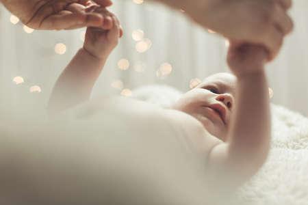 bebes lindos: bellos momentos de la madre y del bebé lindo