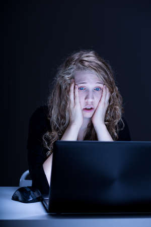 cyber girl: Image of young woman hurt by cyber hater