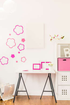 Study Desk: Flower sticker on the wall in teen room