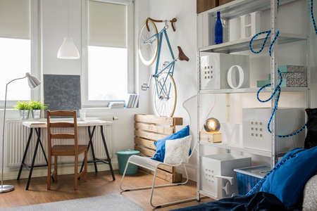 roomy: Creative studio flat for young and active man