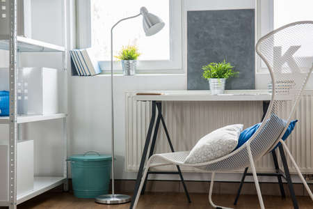 roomy: Stylish chair and table in the studio flat