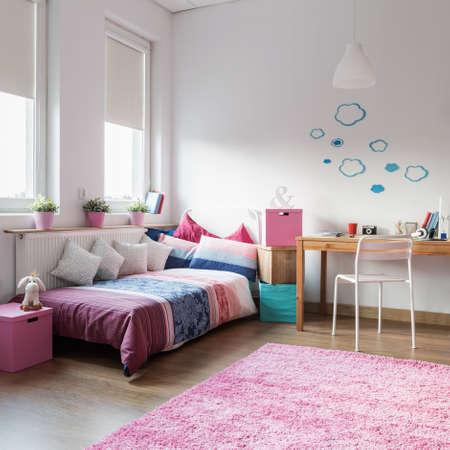 teen girl bedroom: Teen girl bedroom and space for study