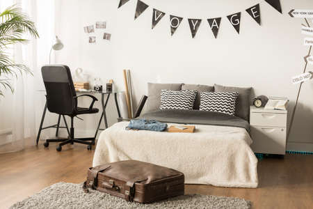 suitcases: Stylish bedroom for teenager who love traveling