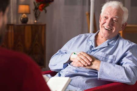 Vista horizontal del paciente con demencia senil