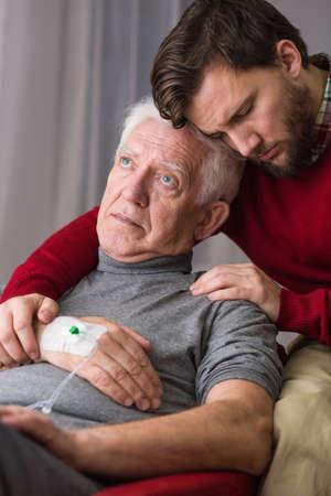 despedida: Imagen presentando el �ltimo adi�s entre padre e hijo