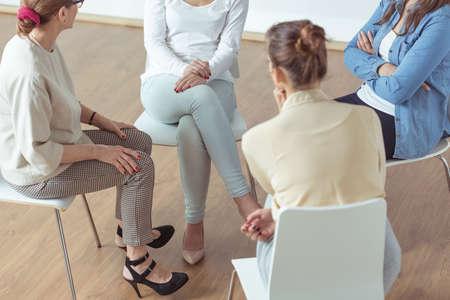 terapia de grupo: Las mujeres exitosas y modernos también tienen sus problemas