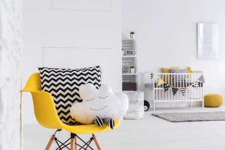 Beeld van een ruime babykamer