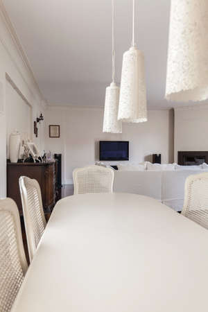 dining table and chairs: White dining table and chairs in modern stylish house