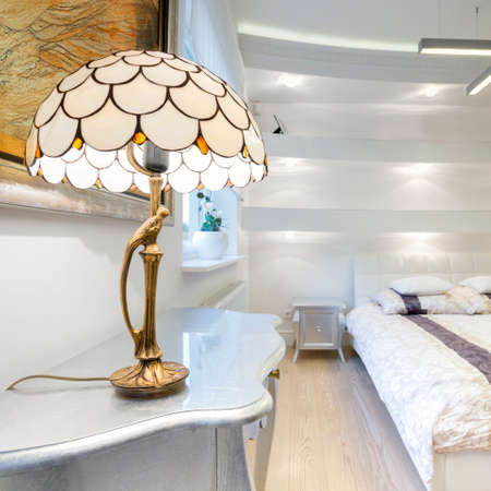 exclusive photo: Big luxury bedroom with cristal small lamp