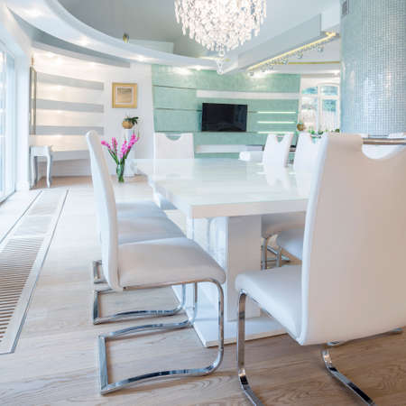 luxury room: Exclusive luxury dining room with white table