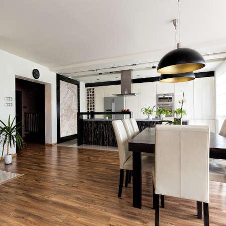urban apartment: Urban apartment - contemporary interior in black and white