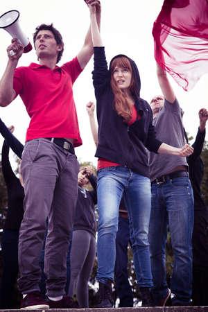 Jongeren protesteren tegen de oorlog - verticaal