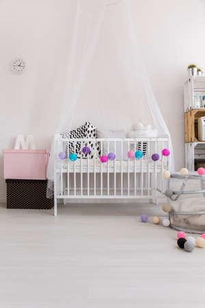 Camera da letto con parquet foto royalty free, immagini, immagini ...