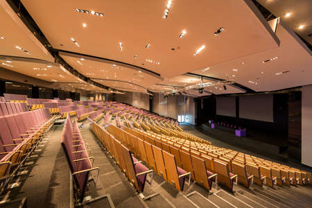 lecture theatre: View of a spacious modern lecture hall seen from the auditorium