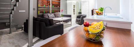 entresol: Contemporary little studio flat arrangement with upper level Stock Photo