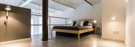 entresol: Minimalist bedroom interior in trendy loft house design