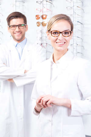experts: Young optician experts invite to their optician store