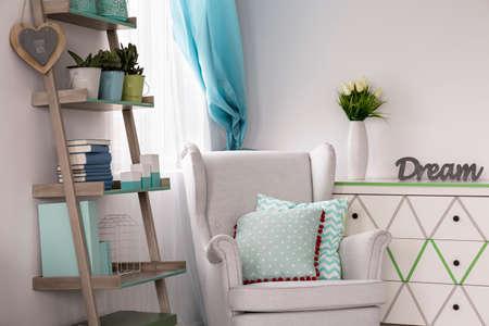 Ideas de menta moda color- sobre la menta en la habitación Foto de archivo