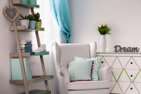 interior decor: Trendy mint color- ideas about mint in room