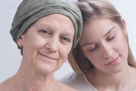 apoyo familiar: El apoyo familiar es una parte importante del tratamiento del cáncer