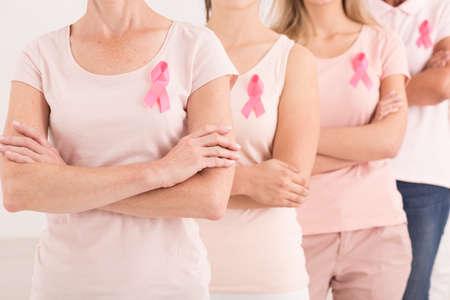 女性のグループは、乳がんに対するユナイテッド 写真素材