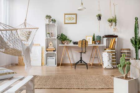 hamaca: apartamento tipo loft multifuncional con hamaca con estilo