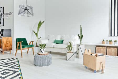 Espace intérieur plat avec un mobilier élégant