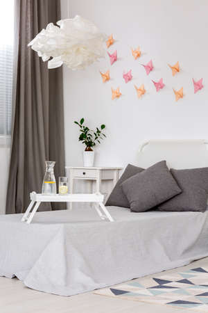 wall decoration: 3d decoration idea-colorful origami on the wall