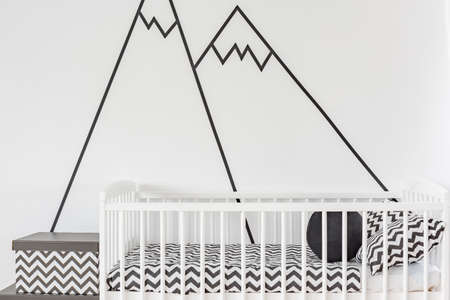 alpine zone: Modern wall decoration in white baby room