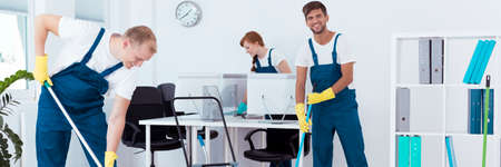 Intensive work with professional office cleaning Stockfoto