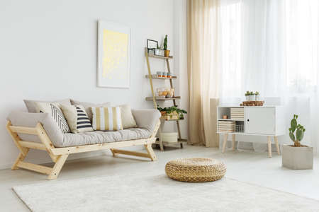 Spacious and bright living room with stylish decorations Stockfoto